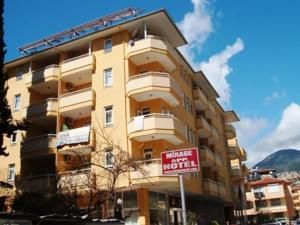 #Otel #Oteller #OtelRezervasyon - #Alanya, #Antalya - Mirage Apart Otel Alanya - http://www.hotelleriye.com/antalya/mirage-apart-otel-alanya -  Genel Özellikler Restoran, Bar, 24-Saat Açık Resepsiyon, Bahçe, Sigara İçilmeyen Odalar, Engelli Konuklar için Odalar/İmkanlar, Aile Odaları, Asansör, Emanet Kasası, Klima, Özel Sigara İçilir Alan Otel Etkinlikleri Masa Tenisi, Dart, Açık Yüzme Havuzu Otel Hizmetleri Çamaşırhane, Kuru Temizleme,...