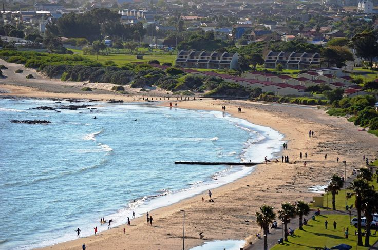 Gordons Bay main beach - Cape Town - South Africa. #gordonsbay #beach