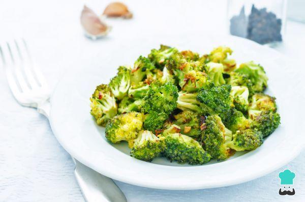 Receta de Brócoli asado con limón y ajo - ¡Fácil y saludable!  #RecetasGratis #Recetas #RecetasFáciles #ComidaVegana #ProteínaVegetal #ComidaSana #GoVeg #ComidaVegetariana #RecetasVeganas
