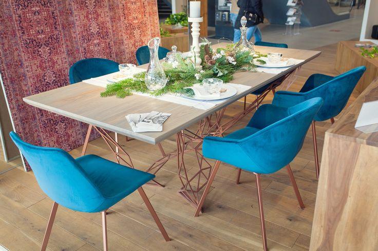 Stół i krzesła od Karakorum, Kryształy od Huta Julia