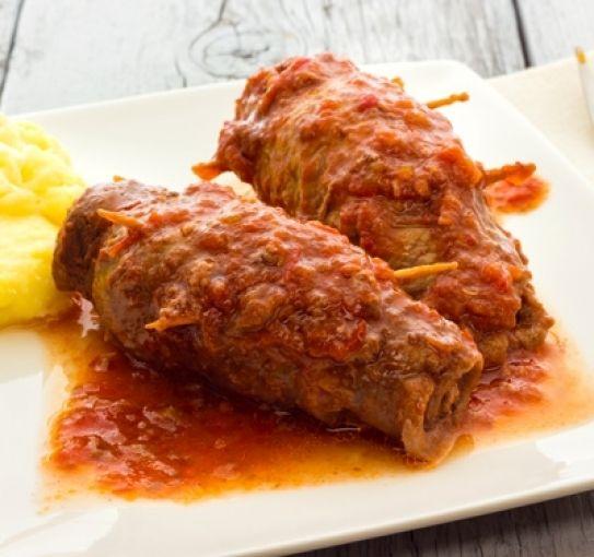 Receta italiana de involtini de ternera con salsa de tomate | Hosteleriasalamanca.es