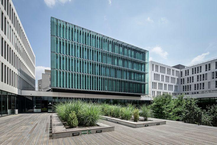 """University Centre """"des Quais"""" / Auer Weber Architects / Lyon, France / 2015, Photographs Aldo Amoretti, Roland Halbe"""