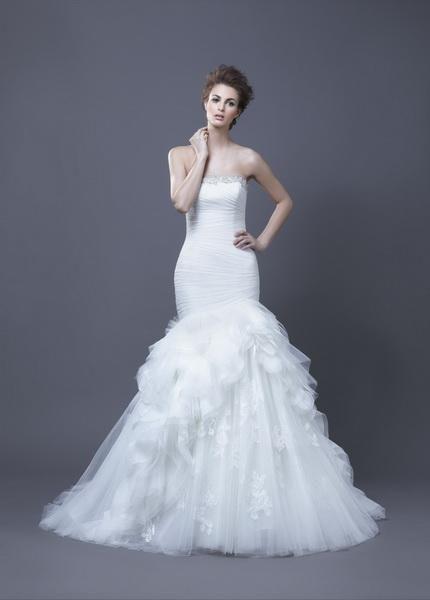 Igen Szalon Enzoani wedding dress- Haldana #igenszalon #Enzoani #weddingdress #bridalgown #eskuvoiruha #menyasszonyiruha #eskuvo #menyasszony #Budapest