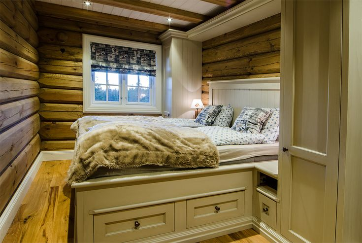 Cozy bedroom in mountain cabin. Bed from Os Trekultur, with drawers under the bed that provides good storage