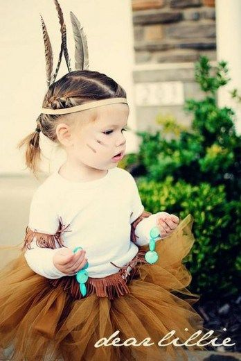 toddlers DIY pocahontas costume idea, see more at https://diyprojects.com/diy-pocahontas-costume-ideas