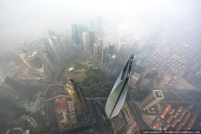 escalade de la grue de la tour de shanghai 8   Escalade de la grue de la tour de Shanghai [video]   video Vadim Makharov tour Shanghai Rital...