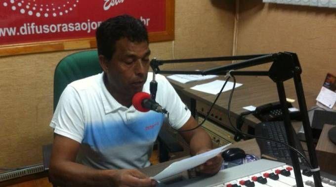Brasile, conduttore radio ucciso mentre trasmette in diretta.