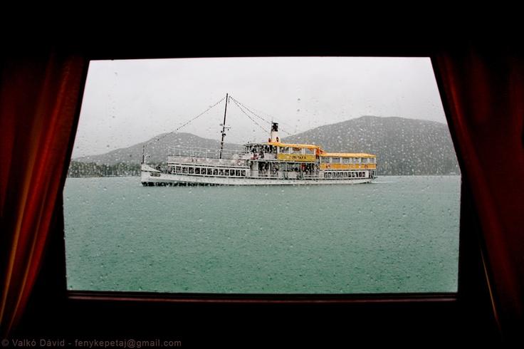 A rainy boat tour on Lake Wörthersee, Austria