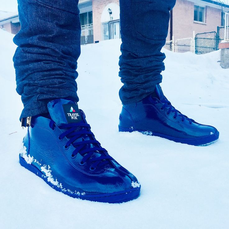 Start the New Year 2018 with Fox Appeal in these 🔥🔥🔥🔥🔥 joints. Melt any snow in the #AzureBlue #Malibu300 #Mids from #TravelFox. #travelfoxshoes #astepbeyondsneaker #exclusive #style #classics 💯💯💯