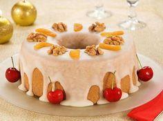 Receita de Bolo dos Reis - bolo frio, decorando em seguida com nozes e damascos. Fonte: http://www.flickr.com/photos/aveia/3113840946/ ...