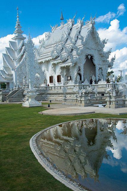 White Temple -  Wat Rong Khun, Chiang Rai, Thailand  http://www.thelegend-chiangrai.com/in-chiang-rai/culture/wat-rong-khun-the-white-temple.html