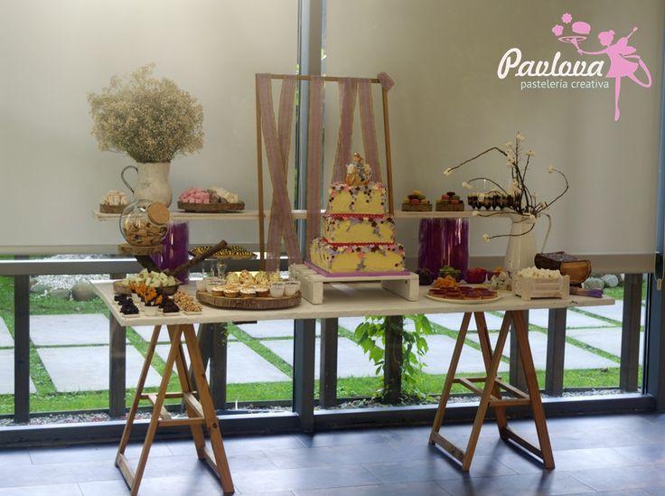 Mesa boda dulce repostería postre tarta pisos