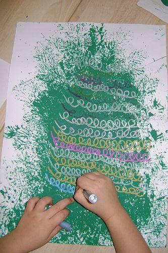 sponge print Christmas tree & crayon decorations