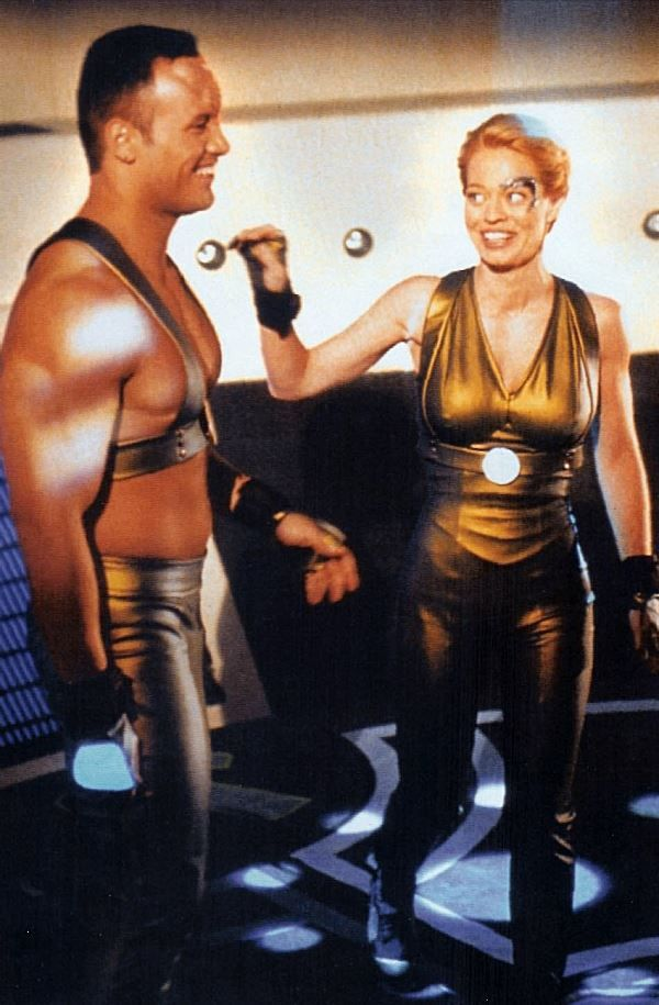 Jeri Ryan (7of9) and The Rock behind the scenes of Star Trek Voyager episode Tsunkatse S6E15