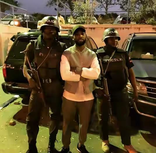 Welcome to Yahya Mubarak's blog: Rapper Tinnie Tempah in Nigeria, shoots with TY Be...