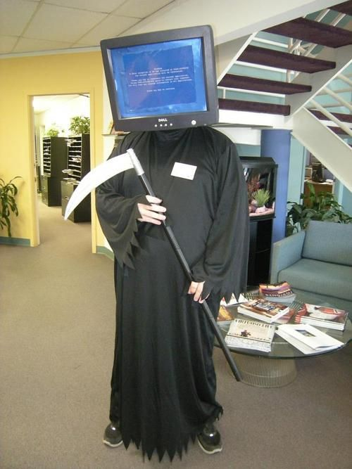 Blue Screen of Death Costume: Geek, Computers, Stuff, Funny Pictures, Funny Halloween Costumes, Blue Screens, Death Cosplay, Best Halloween Costumes, Costumes Ideas