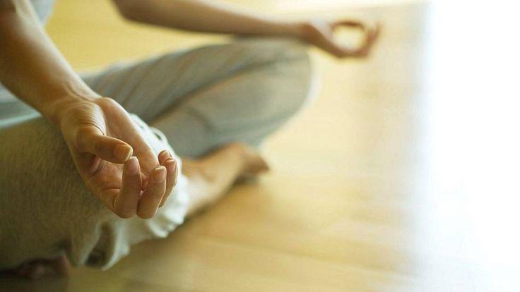 Tutkimus: Meditaatio voi auttaa kipupotilaita – tämä on suurin ero lääkkeisiin