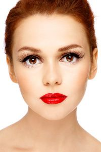 Pinning for the makeup look pictured here - I could totally rock this shizz,