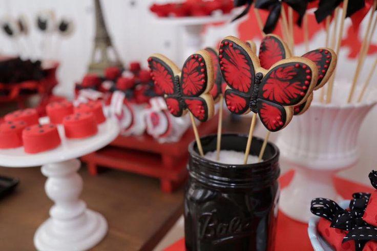 Amor a primeira vista por esta Festa Ladybug! Decoração Maria Frufru por Celia Lourenço. Lindas ideias e muita inspiração! Bjs, Fabiola Teles.      ...