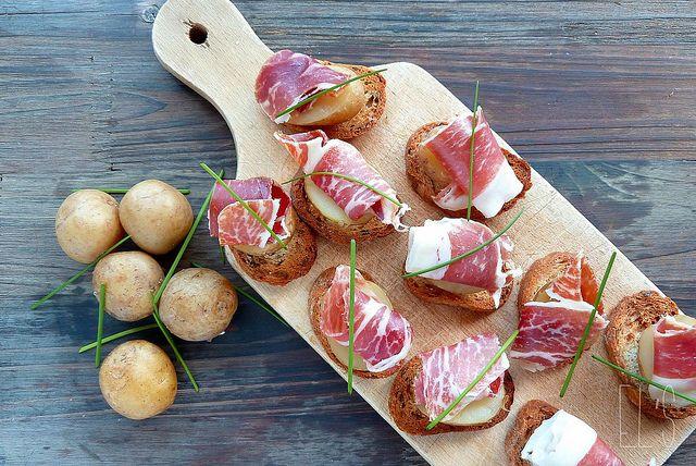 Pommes de terre Bonnottes de Noirmoutier et Pata Negra en toast by emilieandlea2, via Flickr / beautiful photography