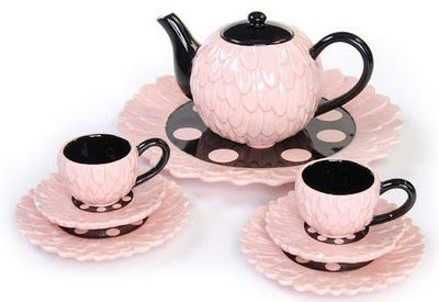 Beautiful pink teapot and cups