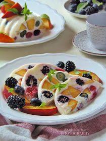 Frissítően üdítő, gyors, mutatós, habkönnyű nyári desszert, melynek a szépségén kívül nagy előnye, hogy még a sütőt sem kell...