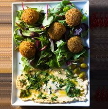 H πιο ωραία και νόστιμη συνταγή για φαλάφελ που έχετε ποτέ δοκιμάσει. Στην Αίγυπτο υπάρχουν δεκάδες εκδοχές αυτής της συνταγής με διαφορετικά όσπρια