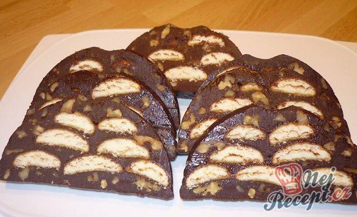 Netradiční, ale velmi chutné. Pokud máte rádi čokoládu, zkuste si připravit tuto nepečené dobrotu, kterou máte připravenou za pár minut. Autor: Marta