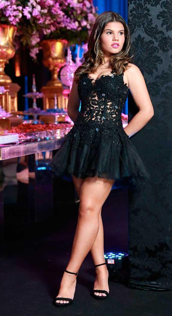 Vestido de debutante, balada, Laura Bareto atriz, festa 15 anos
