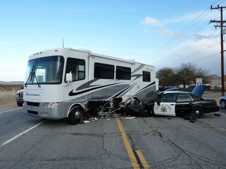 17 best images about rv accidents on pinterest tow truck trucks and fifth wheel. Black Bedroom Furniture Sets. Home Design Ideas
