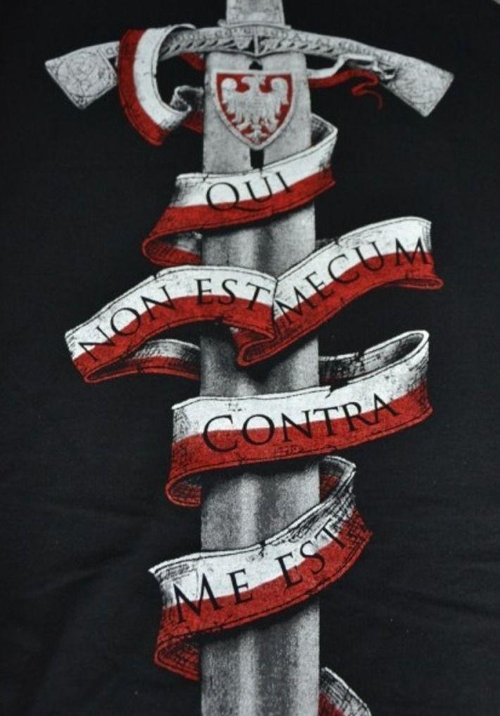 Motyw patriotyczny na koszulce 'Polscy Patrioci 966' HD ---> Streetwear shop: odzież uliczna, kibicowska i patriotyczna / Przepnij Pina!