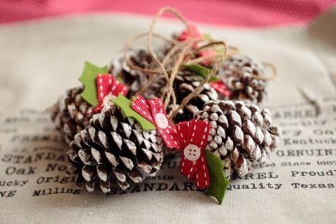 Karácsonyi toboz díszek, Otthon, lakberendezés, Dekoráció, Karácsonyi, adventi apróságok, Karácsonyi dekoráció, Meska