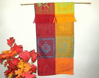 Colgante de pared - imágenes mexicana Azteca, tela tejida a mano en México - hermosa lujosa franja - oro, ladrillo, naranja, verde, turquesa #F