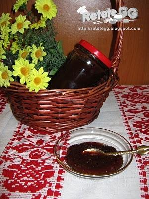 Gem de prune http://retetegg.blogspot.ro/2011/09/gem-de-prune.html