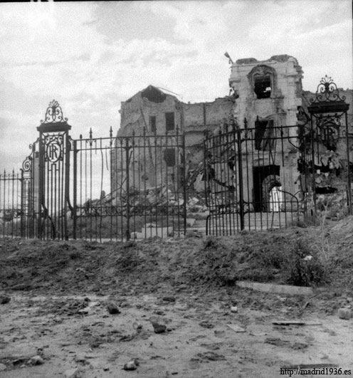 La Casa de Veláquez (Madrid) tras la Guerra Civil. ¡Qué imagen de desolación!