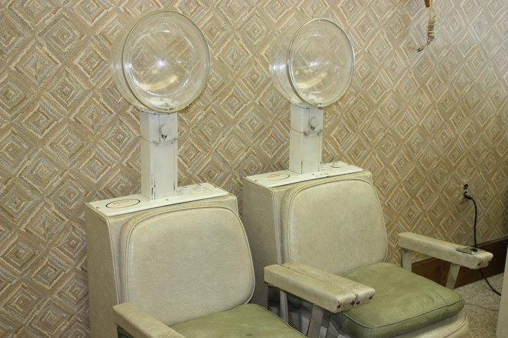 This equipment was actually used during the filming of the original Steel Magnolias movie in 1989 for Truvy's Hair Salon played by Dolly Parton