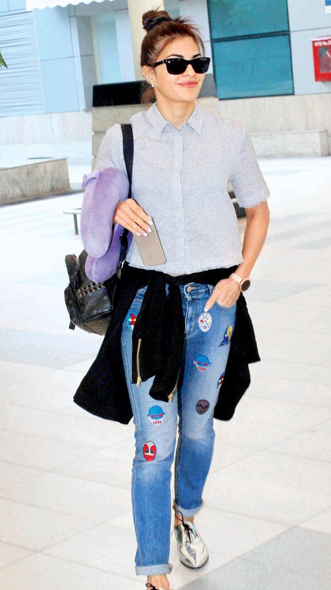 Jacqueline Fernanadez at Mumbai airport. #Bollywood #Fashion #Style #Beauty #Hot #Sexy