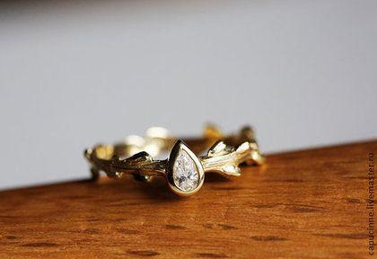 Кольцо с бриллиантом Груша, Золотое обручальное кольцо - золотой,обручальные кольца