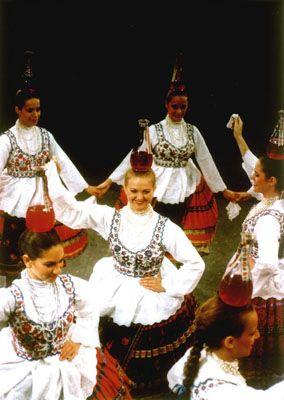 Hungarian Folk Programs:Women's Bottle Dance in Hungary