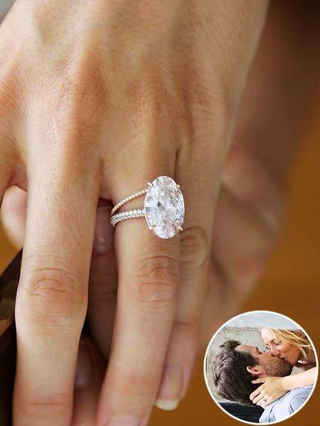 Blake Livelys Engagement Ring And Wedding Band One Of LarsenJewellery Favourite Celebrity Engagementring