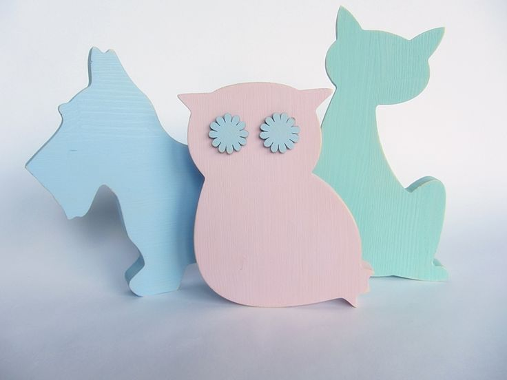 Wooden animals painted i pastel colours