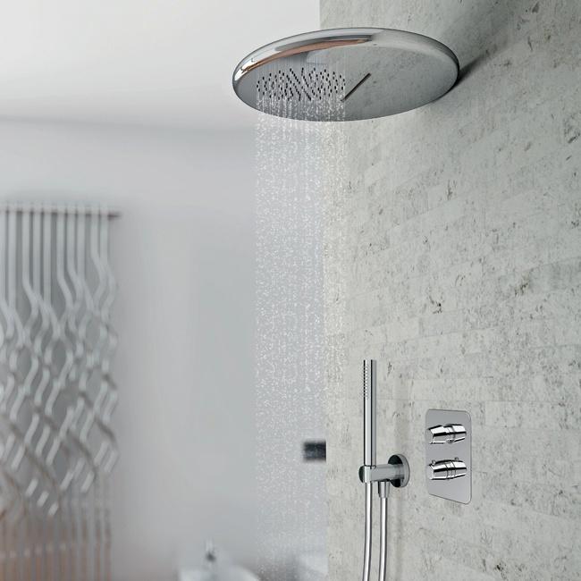 PONSI  Dalle forme morbide e arrotondate il nuovo soffione doccia della linea Rod. A firma di Marco Zito diventa il protagonista nell' ambiente bagno contemporaneo.