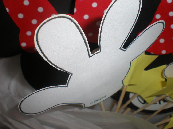 Centros de mesa  Cumpeaños Minnie Mouse by Dulcinea de la fuente www.facebook.com/dulcinea.delafuente.5  https://www.facebook.com/media/set/?set=a.117305701748719.33441.100004078680330&type=1&l=b380a10ba8  #fiesta #golosinas  #cumpleaños #mesadulce #festejo #fuentedechocolate #agasajo#mesa dulce #candybar #sweet table  #tamatización #souvenir #minnie