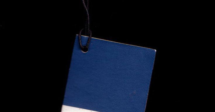 La diferencia entre los colores Pantone & CMYK. Los diseñadores gráficos deben comprender las diferencias entre los colores Pantone y los colores procesados y creados con tintas de color cian, magenta, amarillo y negro (CMYK por su sigla en ingles). Cómo será impreso un trabajo determinará el método de separación de colores a utilizar.