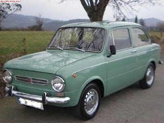 SEAT 850 (1966, España) Maintenance/restoration of old/vintage vehicles: the material for new cogs/casters/gears/pads could be cast polyamide which I (Cast polyamide) can produce. My contact: tatjana.alic@windowslive.com