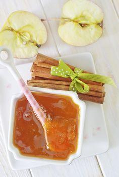 Una mermelada exquisita el sabor de la manzana con canela hacen de esta receta una delicia. ¡Pruébala!