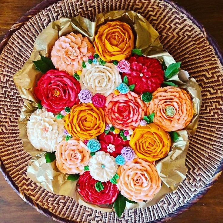 Cupcake bouquet with buttercream flowers!
