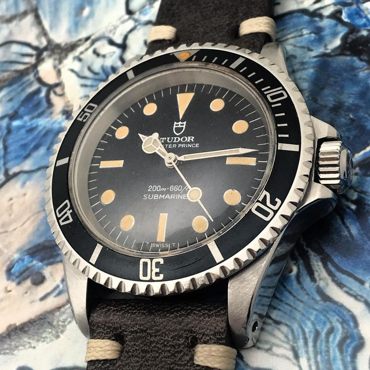 Tudor Thursday with this #Sumbariner Ref. #7016 /16 Circa 1970 •  #rolex #Tudor #tudorsubmariner #rolexsubmariner #vintagerolex #rolexwatch #watchcollector #watcheswithpatina #watch #instawatch #rolexvintage #thursday #tudorwatch #rarewatch #vintagediver #luxury #luxurywatch #tudorcollector #vintagetudor #womw #vintagesubmariner #rolexcollector