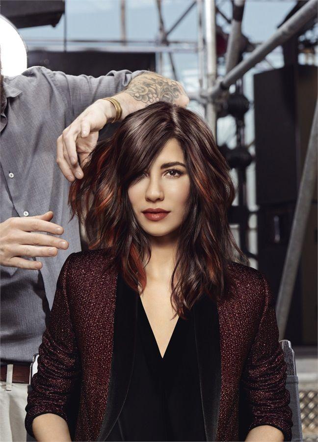 http://www.vanityfair.it/beauty/trend/15/04/01/trend-capelli-tagli-medi-bob-caschetto-shag