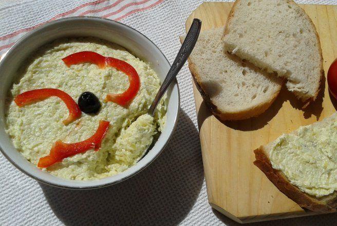 Retete Culinare - Salata de dovlecei cu maioneza